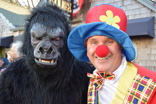 Karneval, Gorilla und Clown
